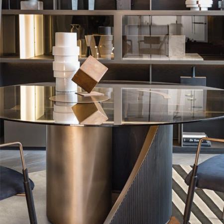Designerski stół z okrągłym  blatem Hege 1.jpg