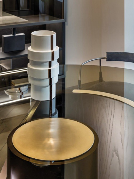 Designerski stół z okrągłym  blatem Hege 4.jpg