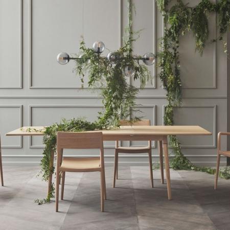 Drewniany stół z barwionym blatem New Coney 1 Bolia
