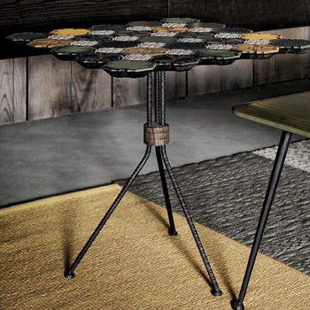 Eklektyczny stolik pomocniczy Jenga 1.jpg