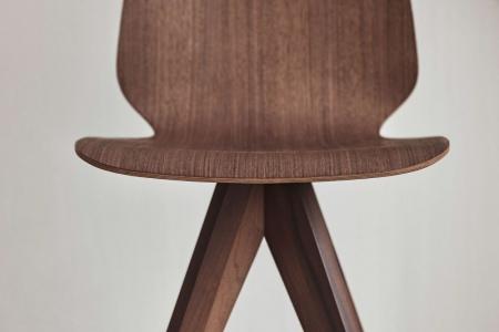 Krzesło ze sklejki New Mood 21 Bolia