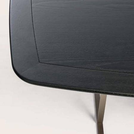 Kwadratowy stół z drewnianym blatem Frame 1.jpg