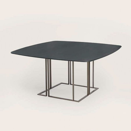 Kwadratowy stół z drewnianym blatem Frame.jpg