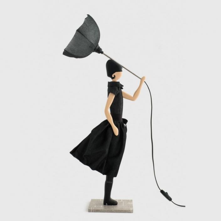 Lampka stołowa kobieta w czerni BIANCA