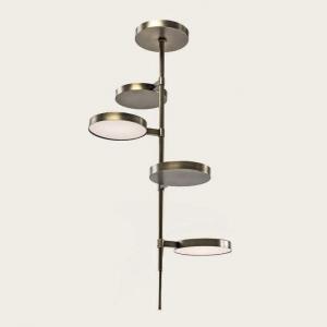 Mosiężna lampa wisząca Weve.jpg
