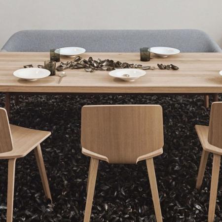 Nowoczesne krzesło z drewna Valby 1 Bolia
