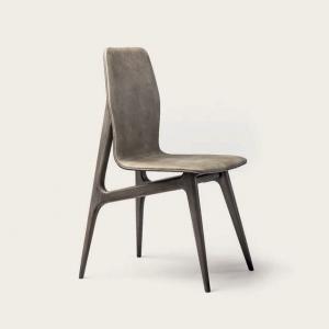 Nowoczesne krzesło z drewnianymi nogami Hio.jpg