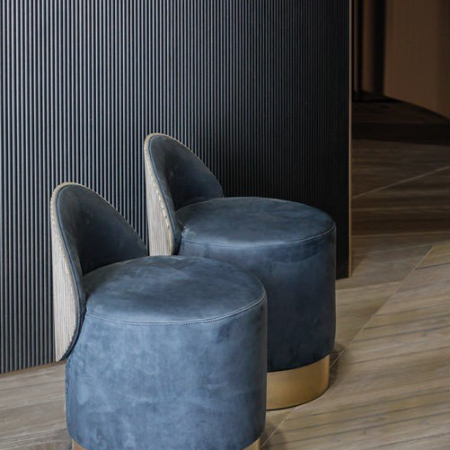 Okrągłe krzesło z niskim oparciem Hege 1.jpg