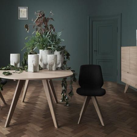 Okrągły stół z drewna z barwionym blatem New Mood 1 Bolia