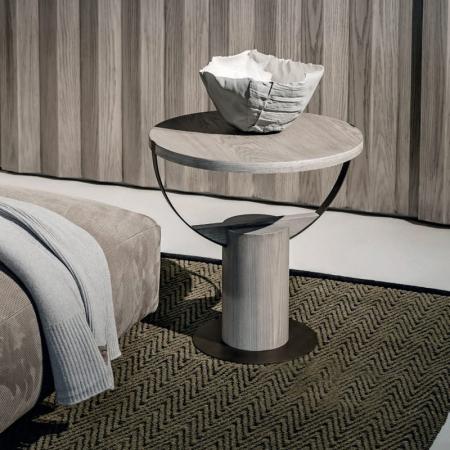 Okrągły stolik pomocniczy z drewna Loop 1.jpg