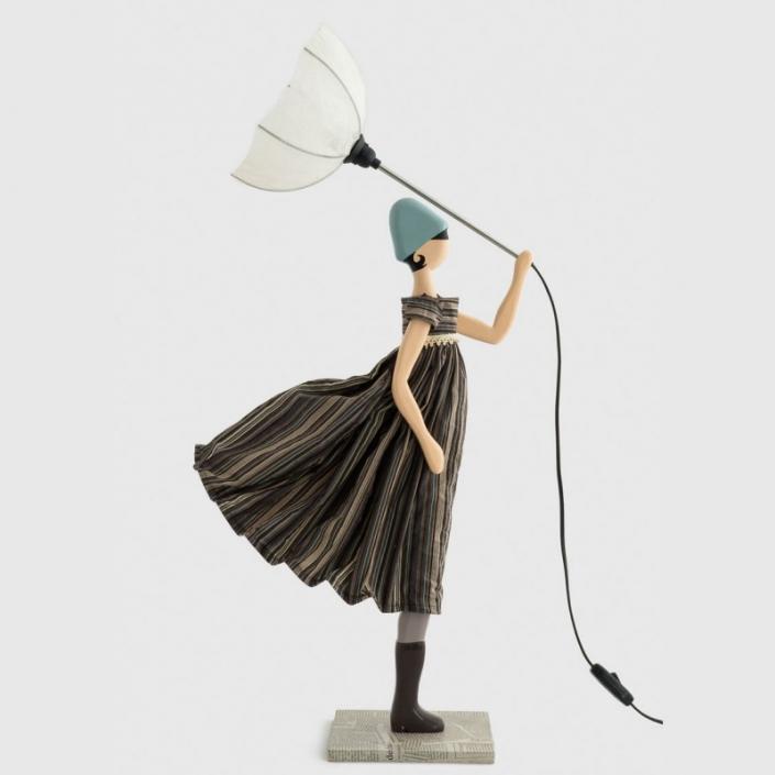 Oryginalna lampa stołowa kobieta ALEENA