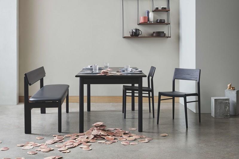 Prostokątny stół w kolorze drewna lub czerni Loyal 4 Bolia