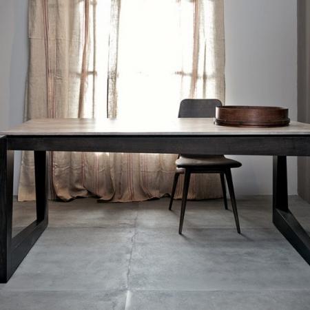 Prostokątny stół z asymetrycznymi nogami Twist 1.jpg