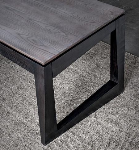 Prostokątny stół z asymetrycznymi nogami Twist 2.jpg