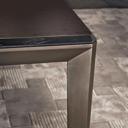 Prostokątny stół z metalowymi nogami New York 1.jpg