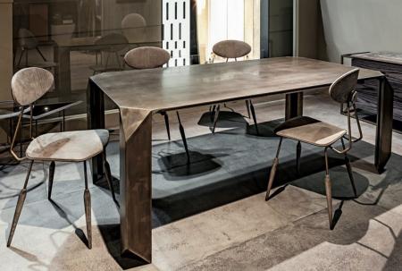 Prostokątny stół z metalu Prism 1.jpg
