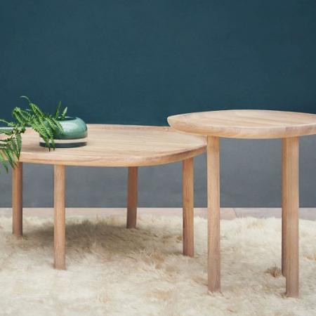 Skandynawski stolik kawowy z drewna Trace 1 Bolia