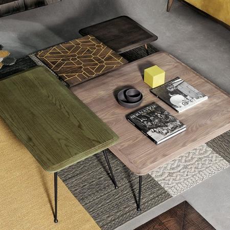 Stolik kawowy z drewnianym blatem Otaku.jpg
