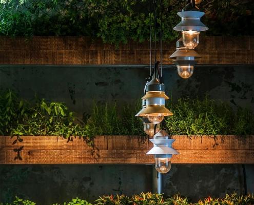 Nastrojowe restauracje aranżacja światłem Santorini