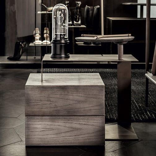 Garderoba w nowoczesnym stylu Szafka ze stolikiem Hio