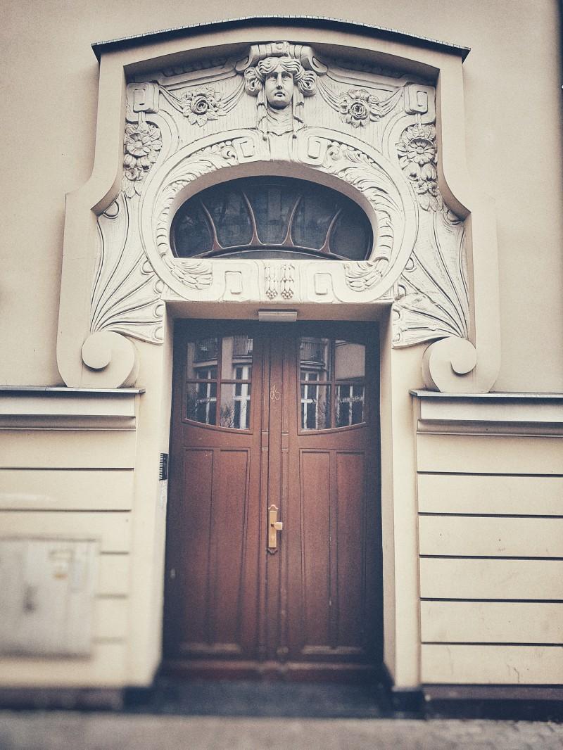 Elementy dekoracyjne starych budynków