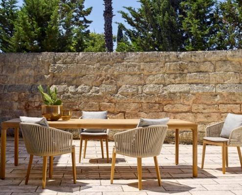 Krzesła ogrodowe Mood stół Illum Tribu