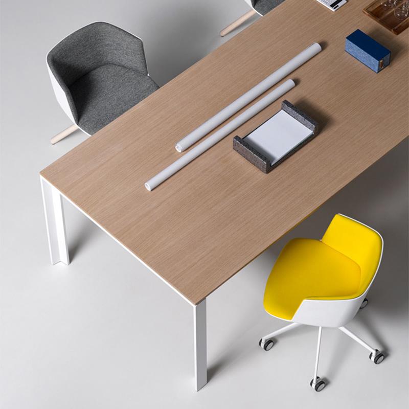Cut Lapalma 2 - Kolorowe biura w nowoczesnym stylu