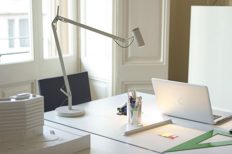 Łamana lampka biurowa stołowa Polo Marset
