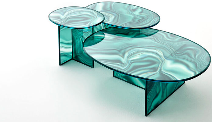 Szklane stoliki i stoły trend