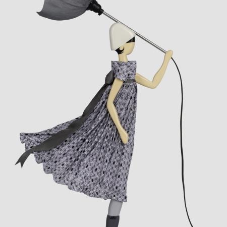 Dekoracyjna lampa dziewczyna w sukience ANDRE