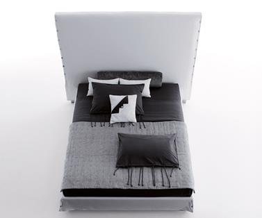 Łóżko tapicerowane White High